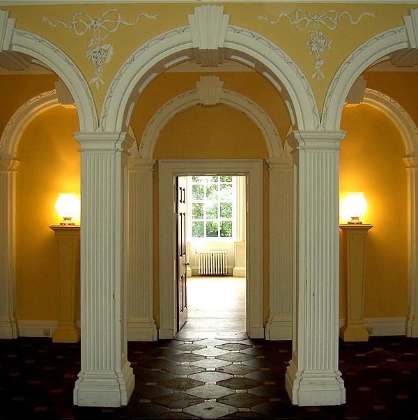 фото дизайна интерьера в стиле Рококо