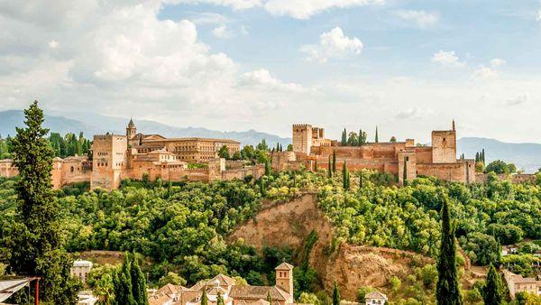 Лепное кружево замков Альгамбры