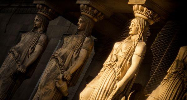 Гипсовые Кариатиды – от древности до современности