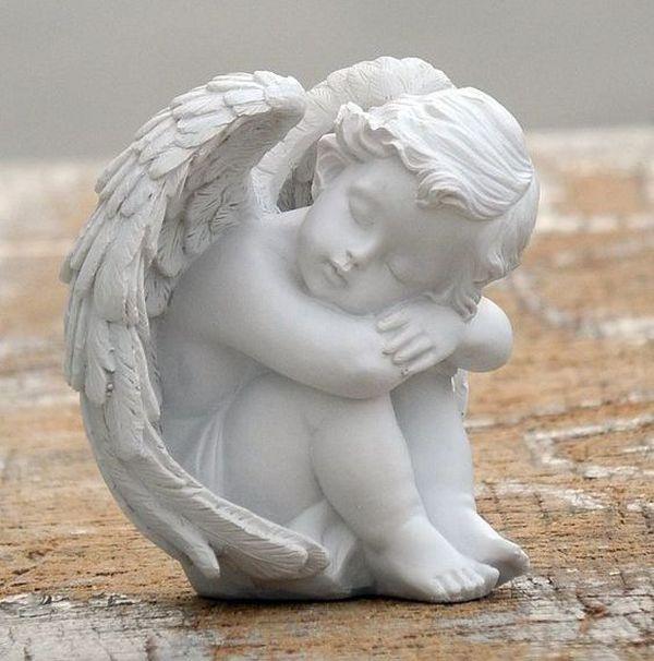 История и символика гипсового ангела