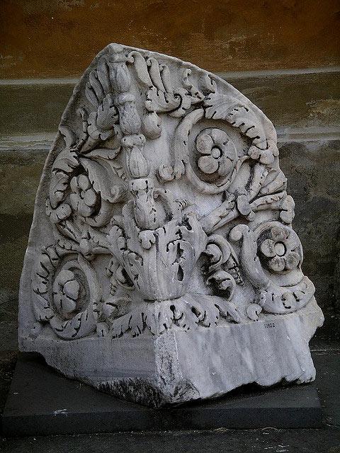 Лепнина из гипса в Риме