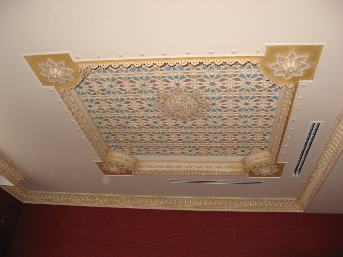 Декор потолка своими руками (38 фото обоями, тканью, и другие) 36