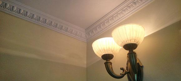 Ионика - карнизы резные и с рельефным орнаментом