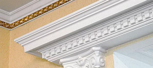 Украшение гипсовой лепниной дверных и оконных проемов