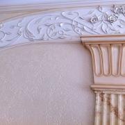 21; Оформление лестницы гипсовым декором